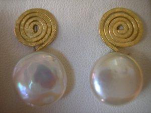 Pendientes de oro y perla natural
